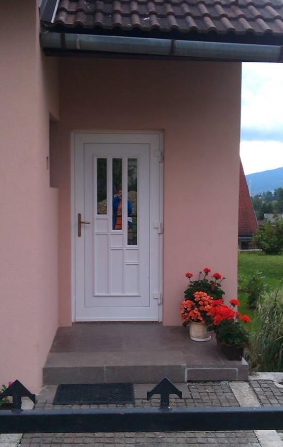 vchodove_dvere_gavaplast - GAVA 131- plastová dveřní výplní
