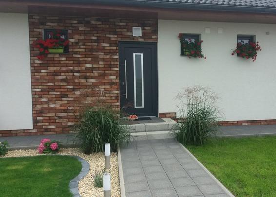 Vchodové dveře s HPL dveřní výplní - Vchodové dvere s HPL dvernou výplňou GAVA 754