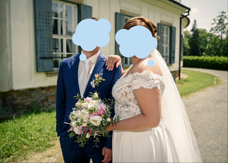Svatební šaty od návrhářek Kabelková/Oplocká - Obrázek č. 3