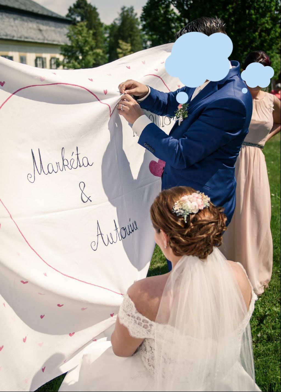 Svatební šaty od návrhářek Kabelková/Oplocká - Obrázek č. 2