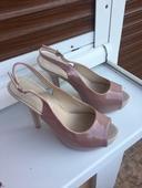 Pudrovoružové sandálky, 38