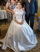 noblesné svadobné šaty, 38