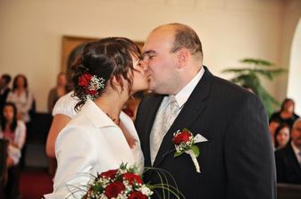 První novomanželské