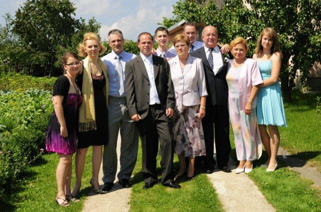Alena{{_AND_}}Marián - rodina ženícha