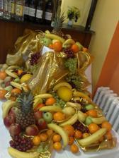 A toto je náš ovocný stôl