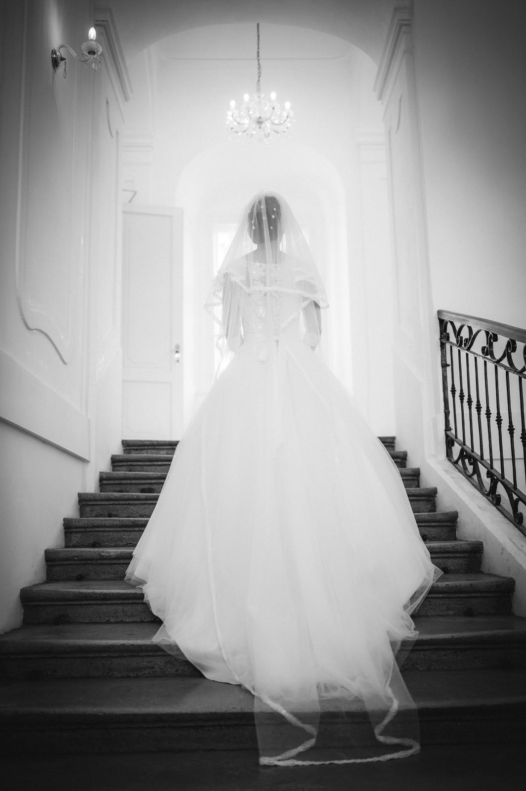 nádherné svadobné šaty - Obrázok č. 2
