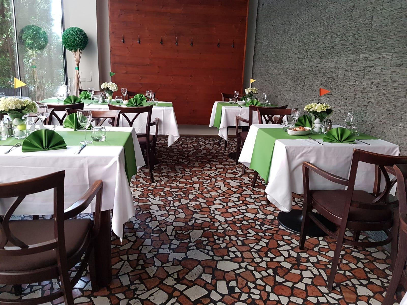 Reštaurácia Four 4in - Obrázok č. 2