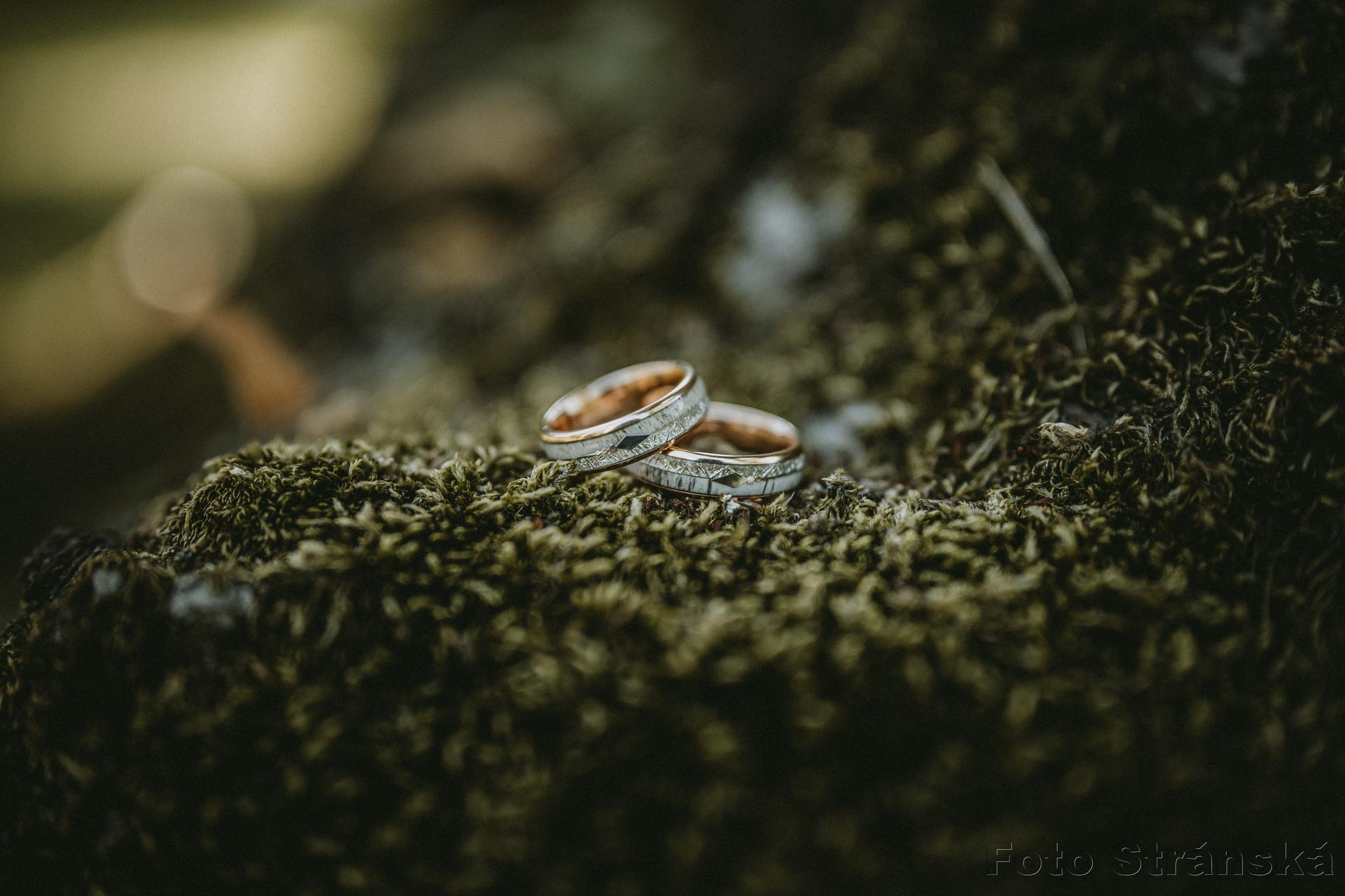 Žanet    {{_AND_}}    Ondra - Naše netradiční prsteny, které nám všichni moc chválili. :)