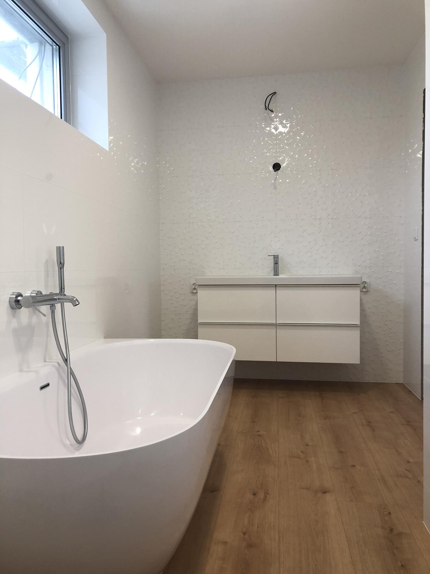 Rekonštrukcia domu - Kúpeľňa 2.np - umývadlová skrinka