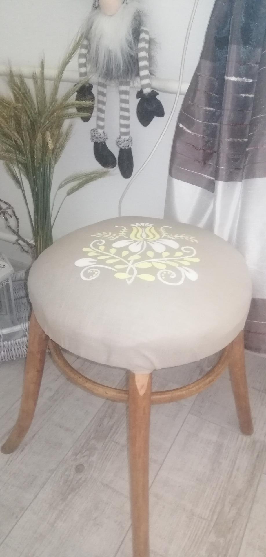 Premena starej stoličky - Obrázok č. 1
