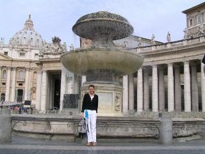 """fontána, ktorá sa stala svedkom môjho: """"TO VIEŠ, ŽE SI TA VEZMEM"""" :o)"""
