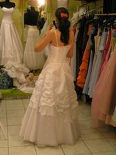 šaty č. 1 - zozadu