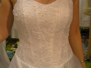 šaty č. 1 - detail
