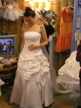 šaty č. 5 - so závojom