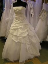 šaty c. 5 - na figuríne 2