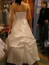 šaty č. 7 - zozadu