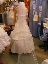 šaty č. 7 - so závojom