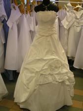 šaty č. 7 - na figuríne 2