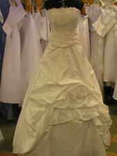 šaty č. 7 - na figuríne 3