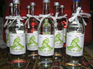 a takto sú pripravené fľašky na výslužku :O)