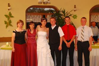 spoločná foto so súrodencami, moja sestra, Majkova sestra a Majkovi bratia :O)