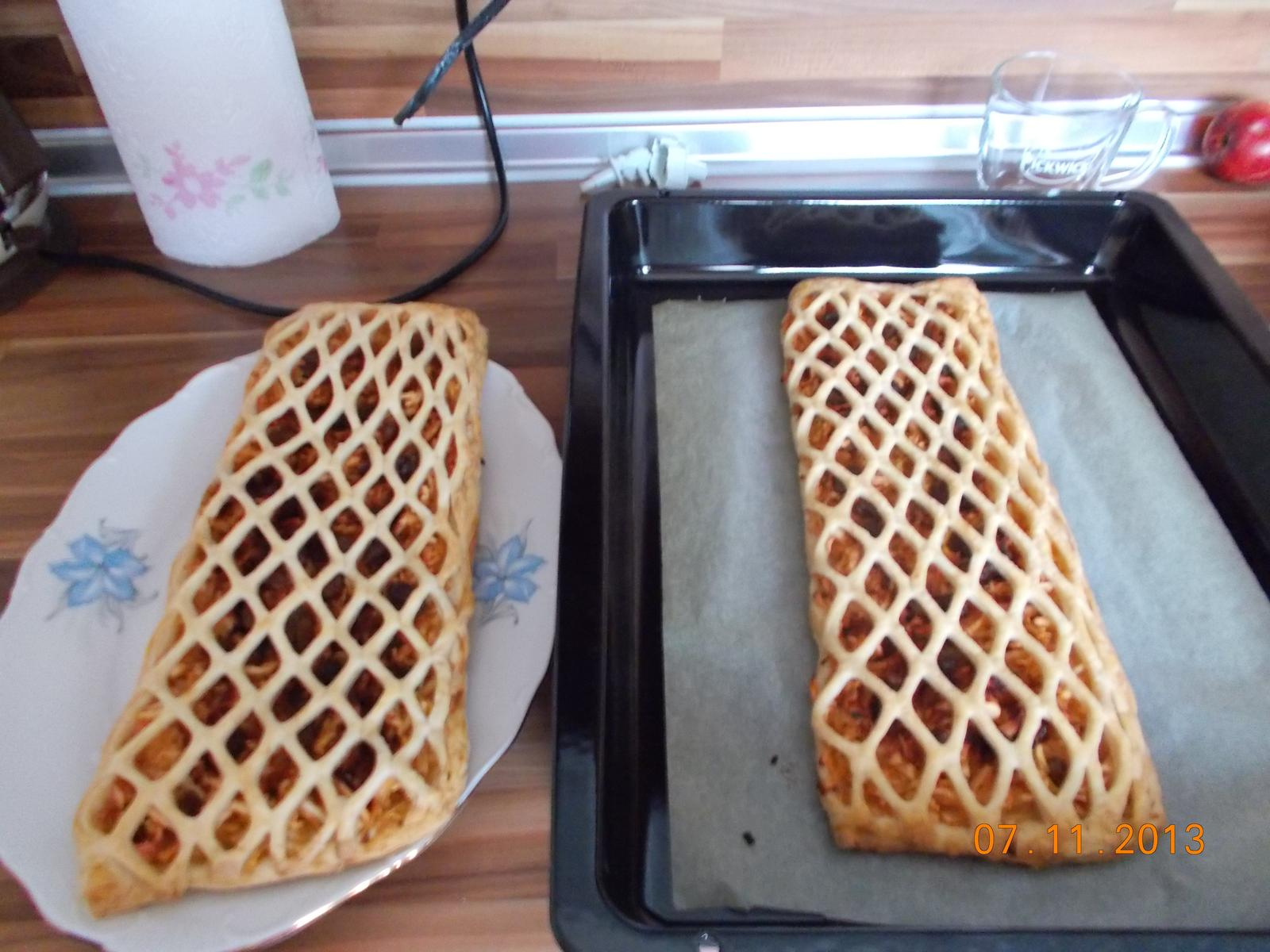 Pečení,vaření,grilování.....je libo něco dobrého do bříška ................ - Jablečný mřížkový koláč
