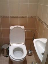 Toaleta s umyvadielkom
