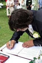podpisy ženicha