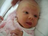 Martina{{_AND_}}Peter - Naša bambuľka sa narodila 03.05.2008 ... naše slniečko ... foto ešte z nemocnice (bola žltučká, lebo mala novorodeneckú žltačku)