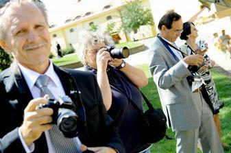 Kromě Petra Wagenknechta fotil každý, kdo měl ruce a foťák.