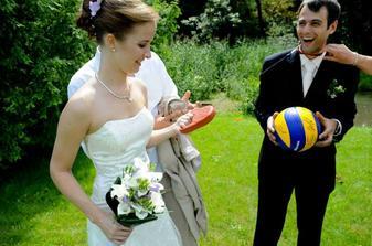 Velmi užitečný svatební dar - bez něj se žádná manželka neobejde :-)