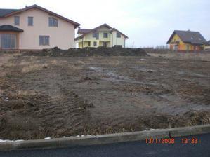 stiahnutá zem z pozemku - január 2008
