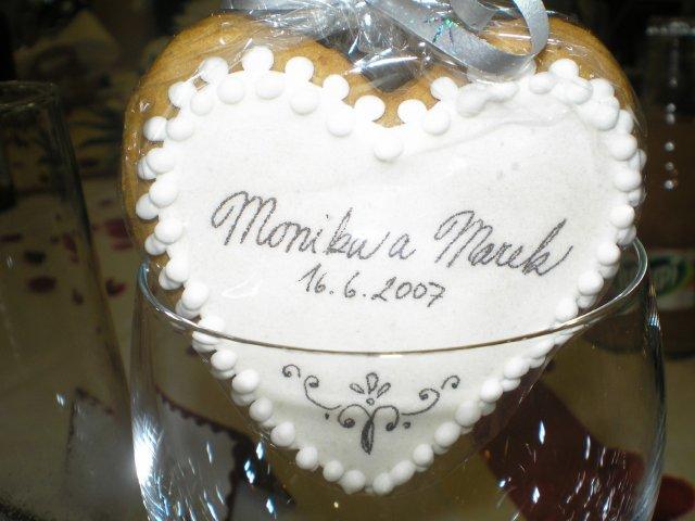 Monika a Marek - darčeky pre hostí - medovníčky