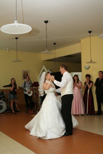 Monika{{_AND_}}Marek - prvý manželský tanec