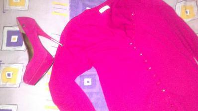 a taktiez svetrik rovnakej farby nesmie chybat :)
