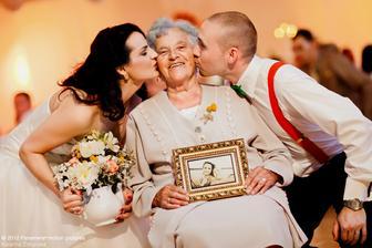 uz len jedna babka nam zostala