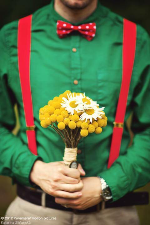 DANIELA{{_AND_}}MICHAL - mne sa velmi pacia tie cervene traky na zelenej koseli :)