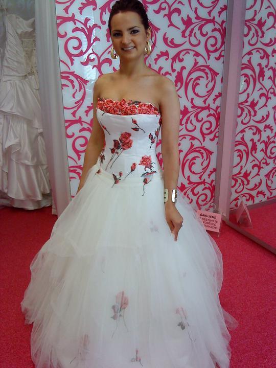 D + M - dievcata uzivajte si pripravu svadby plnymi duskami !!!