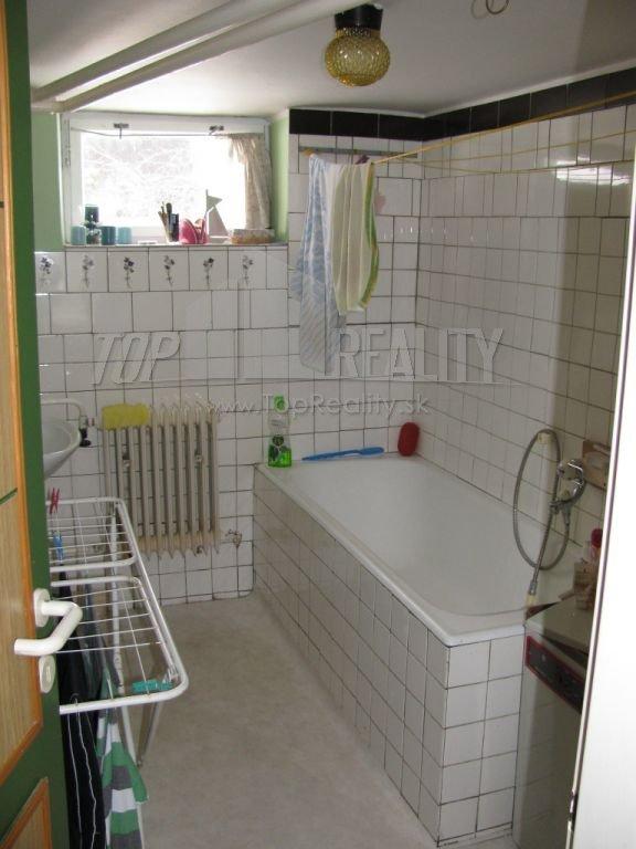 Naša rekonštrukcia - pôvodná kúpelňa