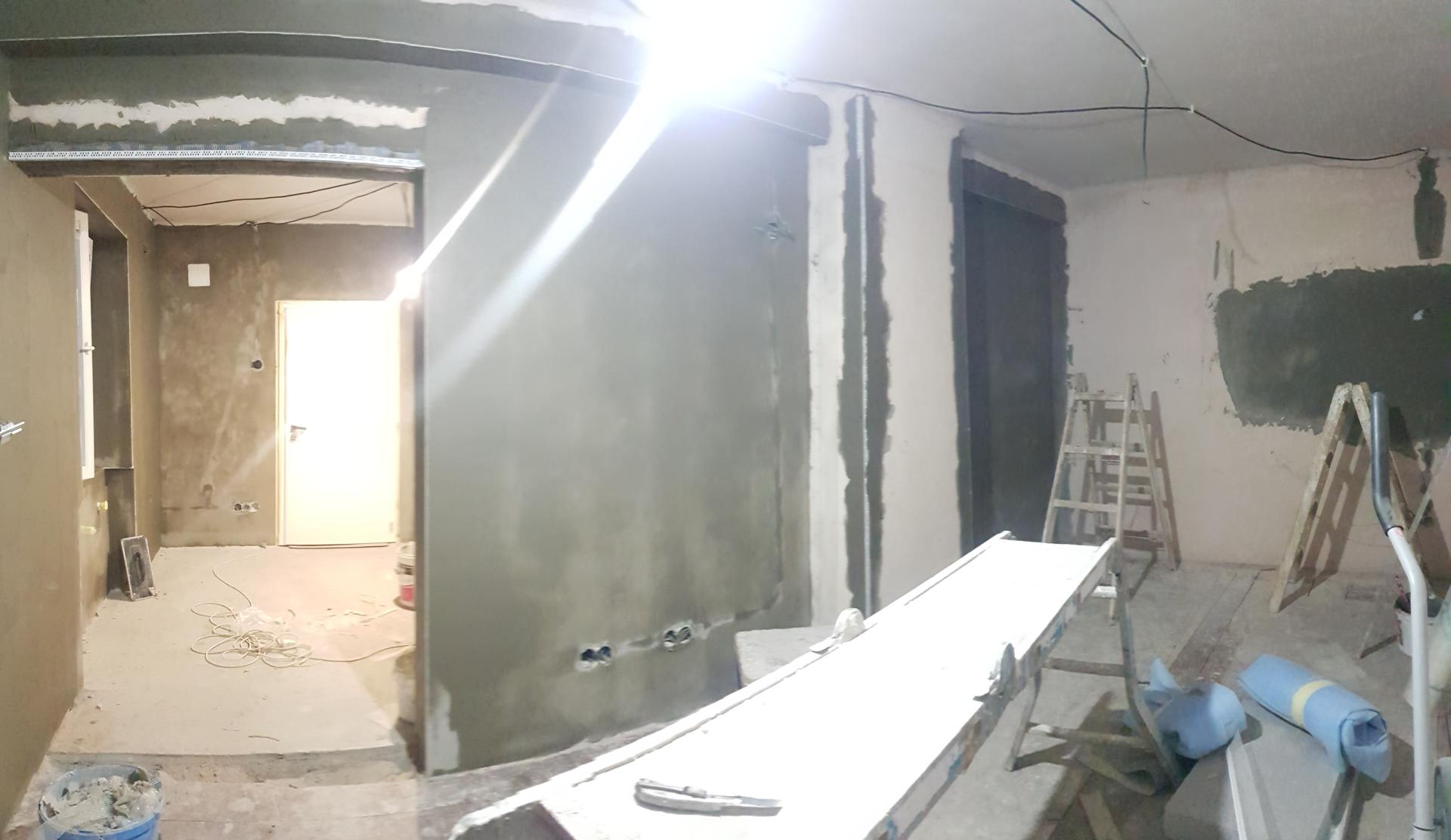 Naša rekonštrukcia - ... pomaly sa naťahuje lepidlo aj v druhej izbe