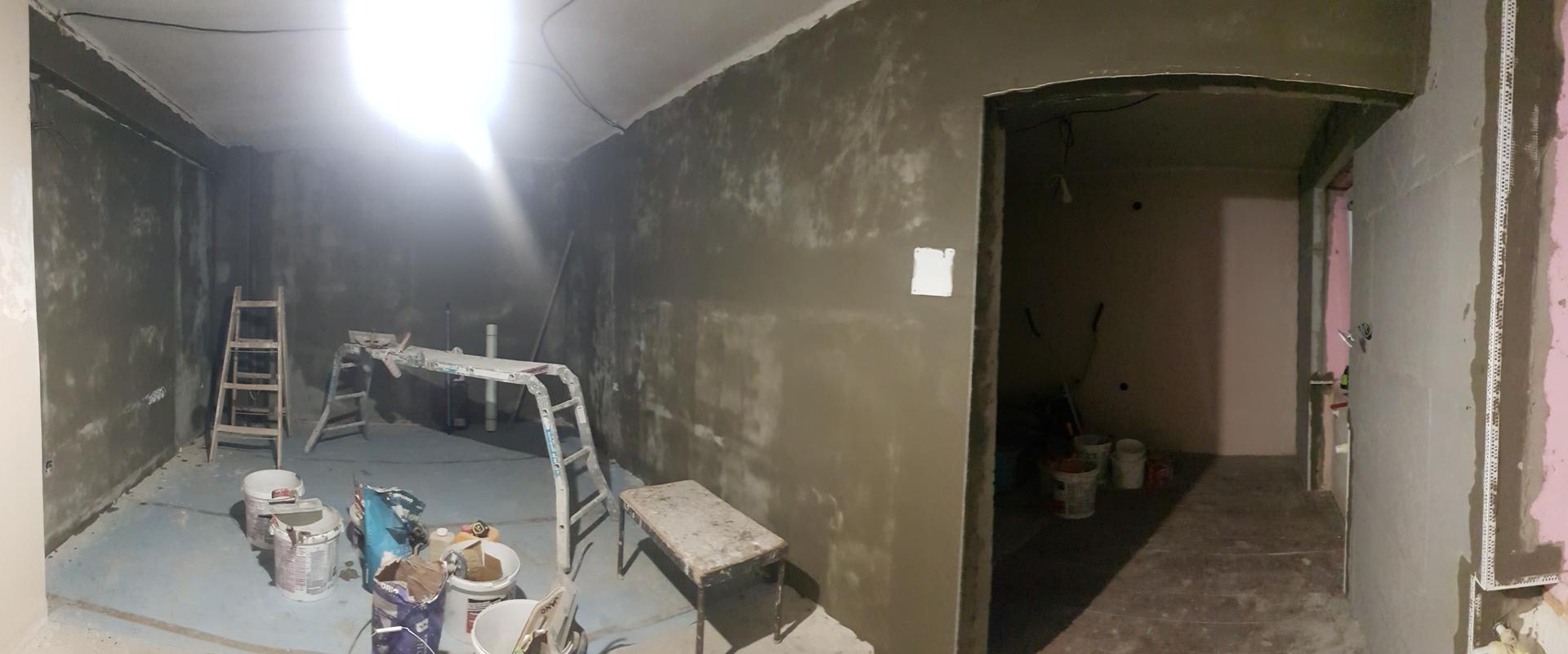 Naša rekonštrukcia - ... natiahnuté lepidlo v prvej izbe