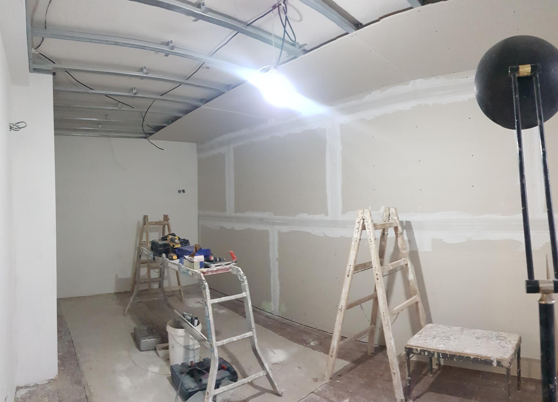 Naša rekonštrukcia - ... sadrokartónové budú aj stropy