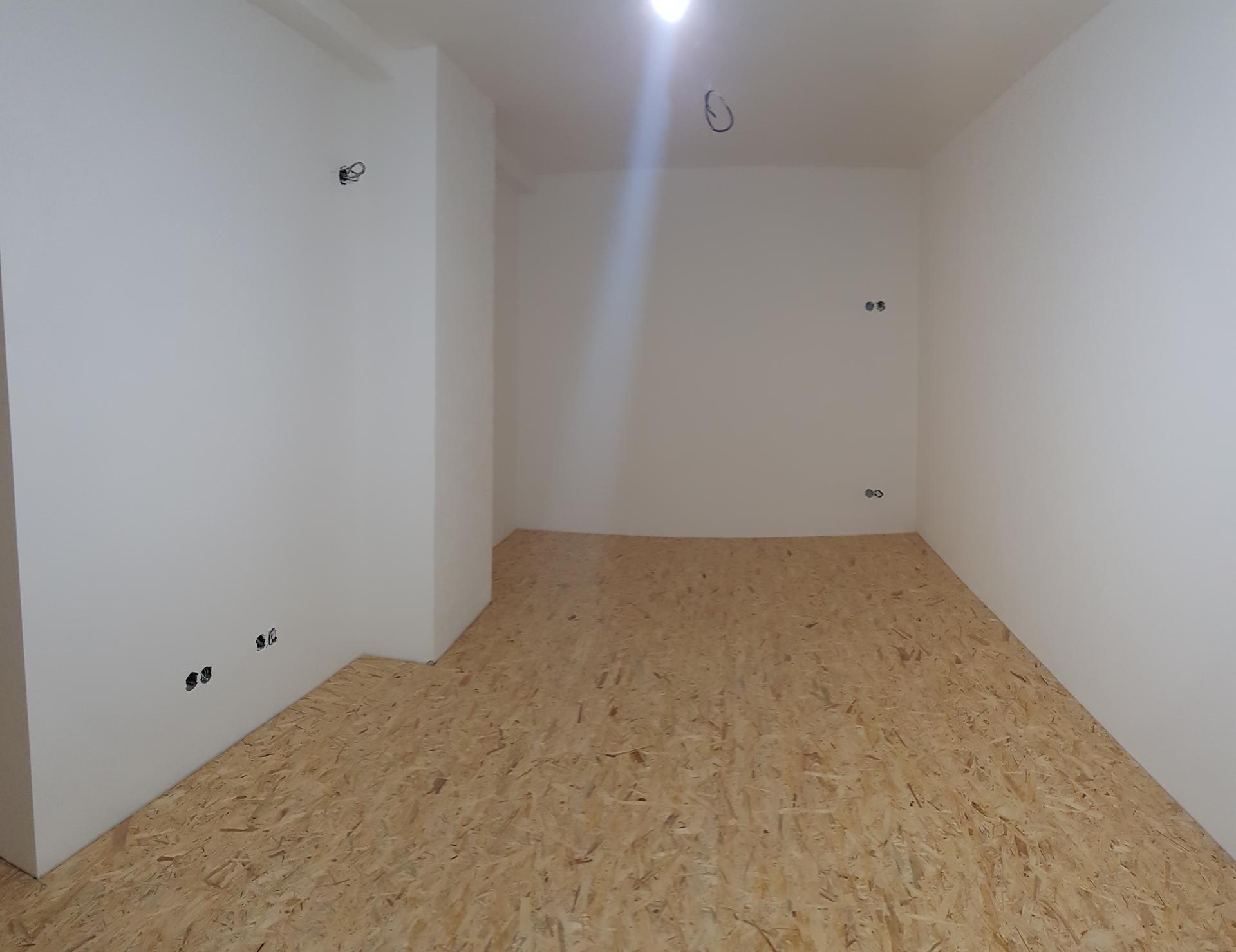 Naša rekonštrukcia - ... pohľad na celú izbu, uz príde len plávačka