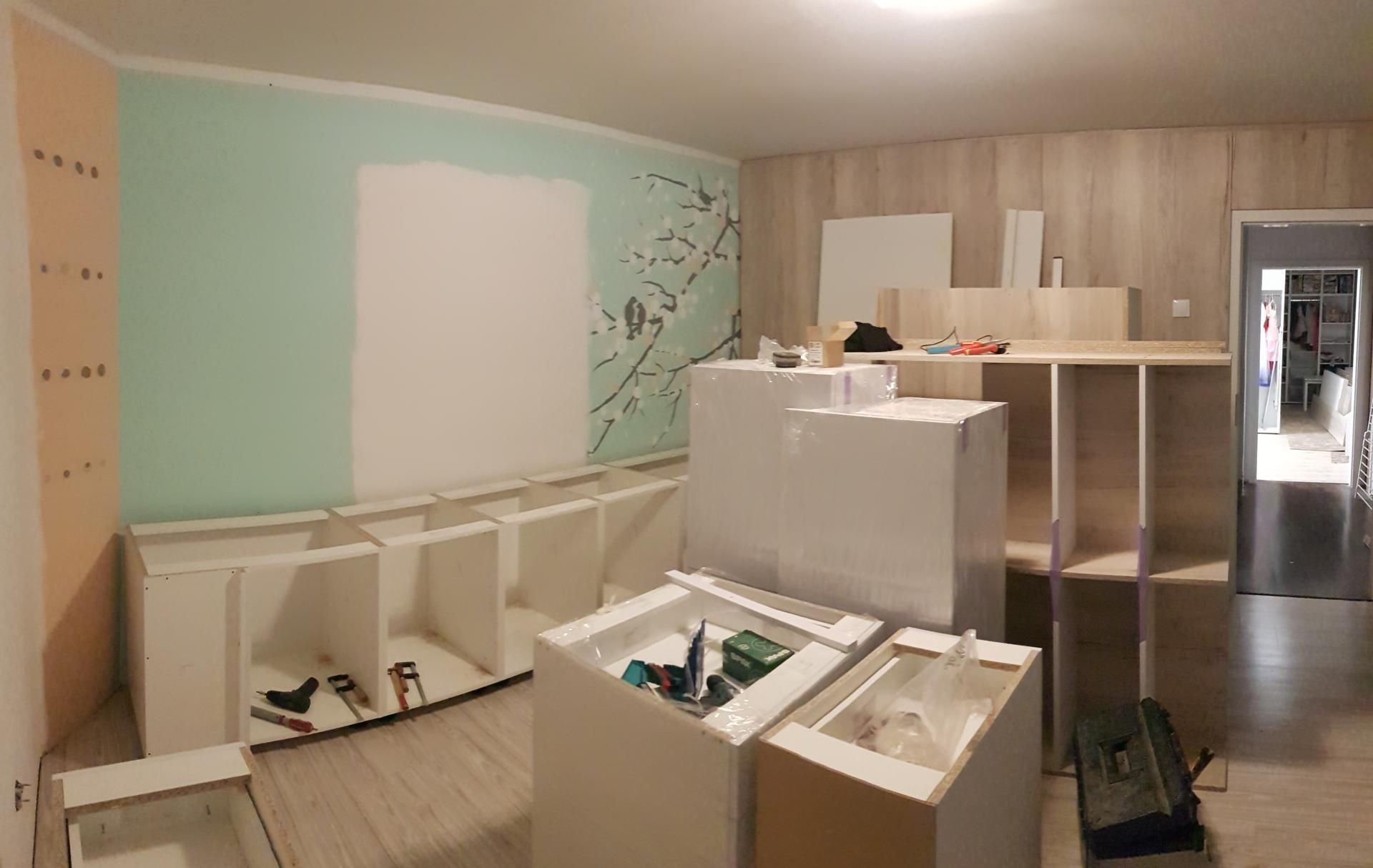 Naša rekonštrukcia - začíname skladať skrinky