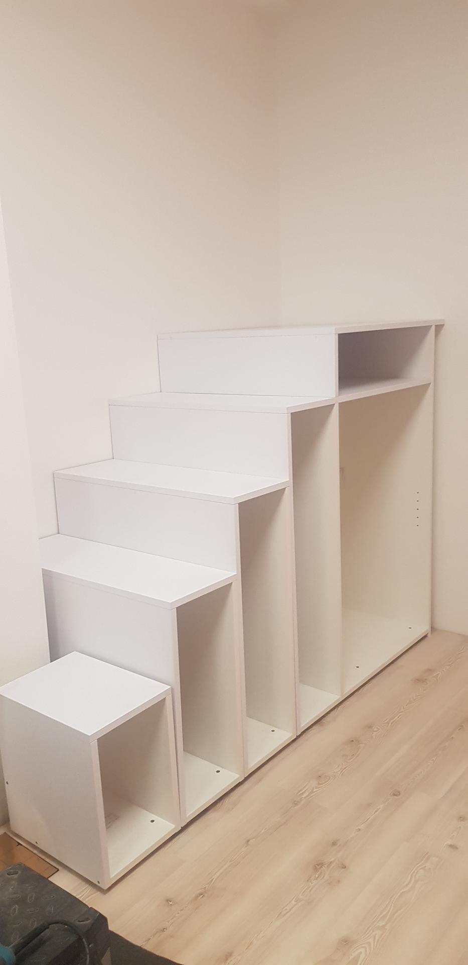 Naša rekonštrukcia - schodíky do budúceho domčeka