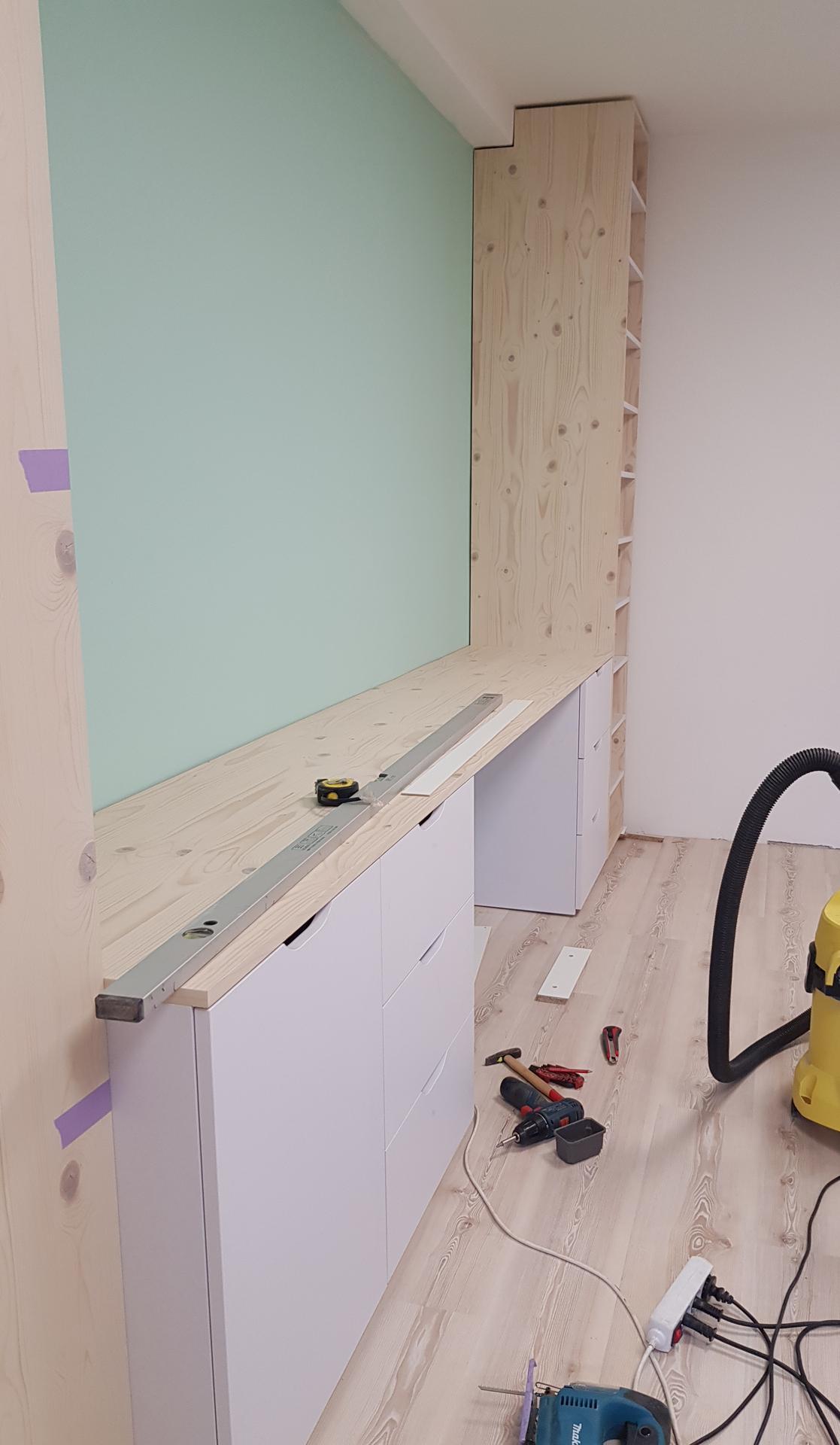 Naša rekonštrukcia - ... pustili sme sa aj do druhej časti izby
