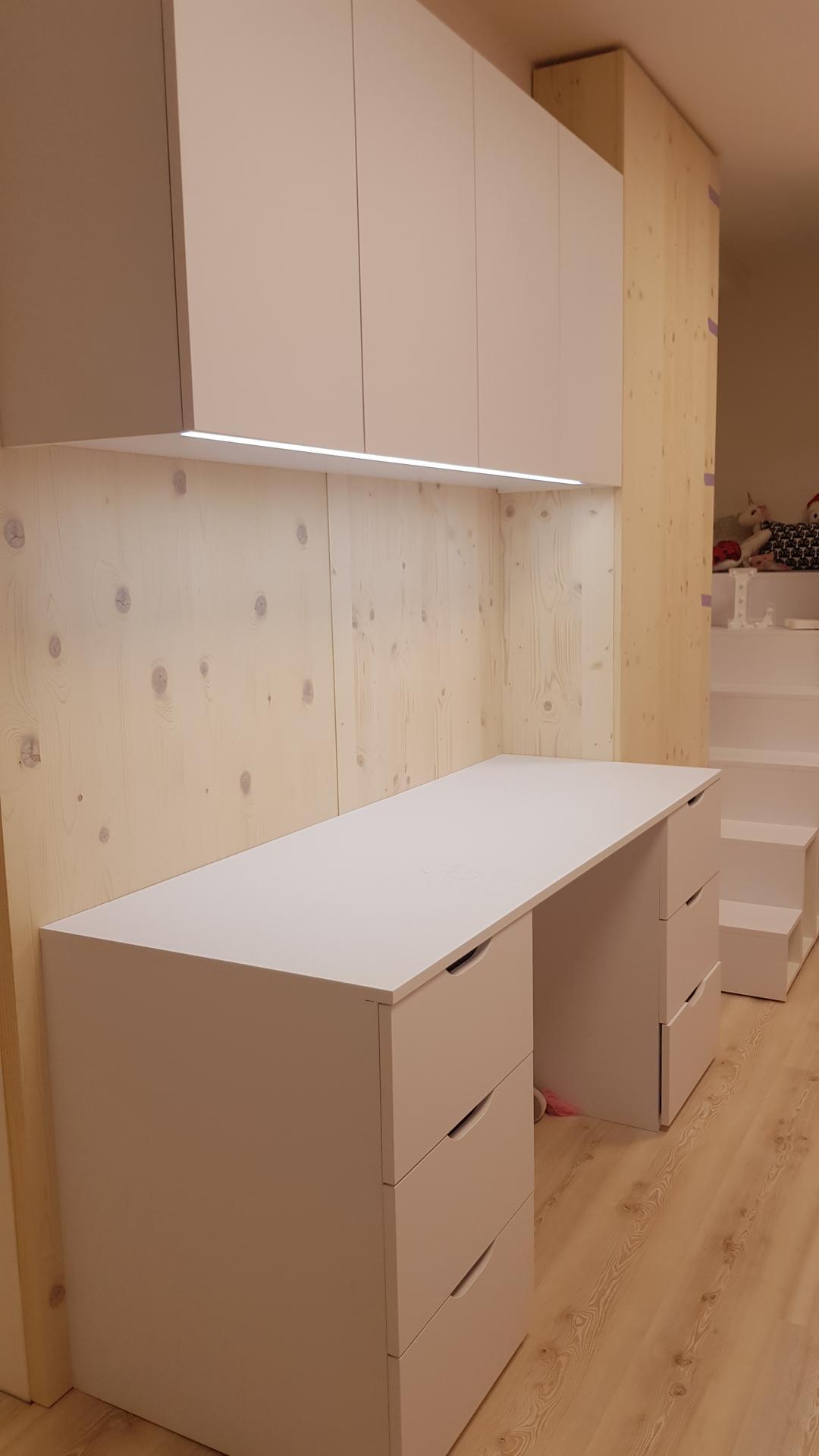 Naša rekonštrukcia - ... aj vrchná skrinka