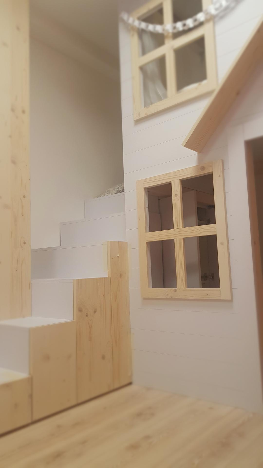 Naša rekonštrukcia - schody su vlastne ulozne skrinky