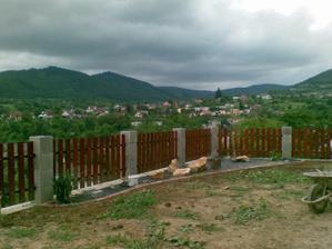 plot je dokonceny a zacina sa zahradkarit (o: