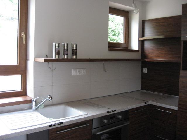 Nová kuchyňa objednaná - realita vs vizualizacia - uz mame aj svetla kupene, len teraz namontovat